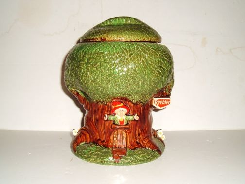 Keebler Elf in Tree Cookie Jar