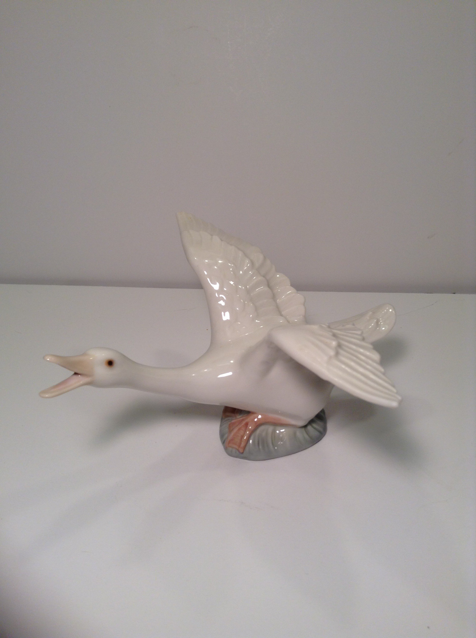 Lladro Flying Duck #1264 Retired Figurine