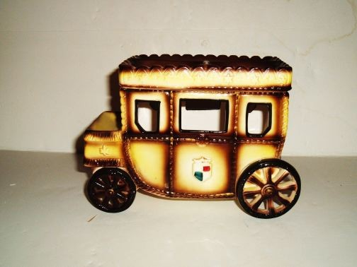 MISC-UNKNOWN - Brown and Tan Carriage/Car Cookie Jar