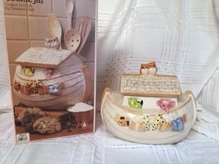 """Treasure Craft """"Noah's Ark"""" Cookie Jar"""